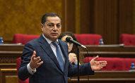 Заседание парламента посвященное взлету цен