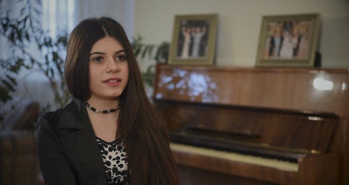 Участница проекта Ты супер! Сабина Манвелян рассказала, чем ее потрясла Москва