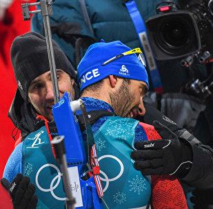 Французский биатлонист Мартен Фуркад после завоевания 4-й золотой медали на XXIII зимней Олимпиаде (18 февраля 2018). Дэквалъен-мен, Пхенчхан, Южная Корея