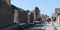Руины города-музея под открытым небом Помпеи.