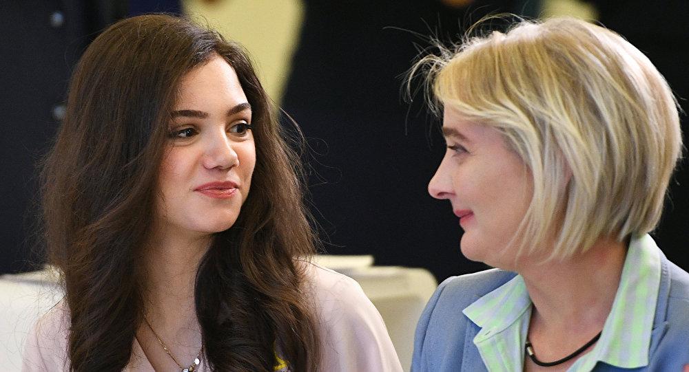 Евгения Медведева с мамой Жанной Девятовой