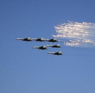 Российские Стрижи выступили на авиапразднике в Ереване