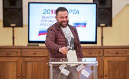 Избиратель на участке No8026, Ереван
