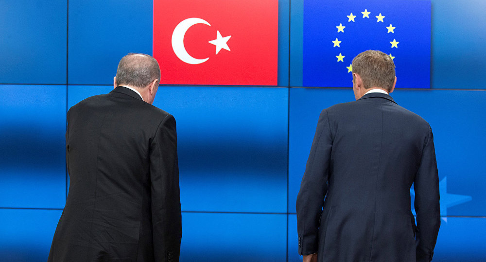 Еврокомиссар Йоханнес Хан: Турция продолжает отдаляться отЕС