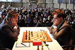 Партия Аронян-Найдич на шахматном турнире GRENKE Chess Classic