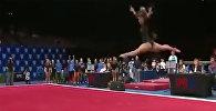 Американская гимнастка Кейтлин Охаши удивляет гибкостью