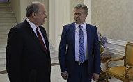 Премьер-министр Карен Карапетян представил Президенту Армену Саркисяну заявление об отставке правительства