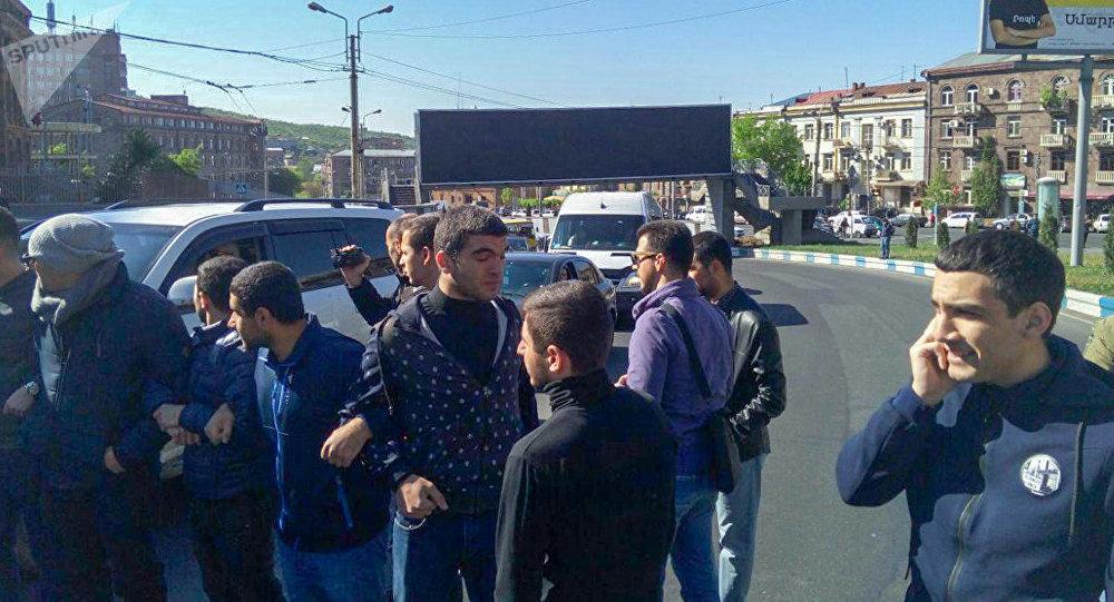 Ситуация на улице Гераци (16 апреля 2018). Ереван