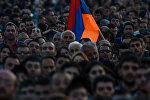 Митинг оппозиции на площади Республики (17 апреля 2018). Ереван