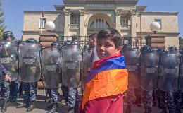 Здание резиденции премьер-министра Армении (18 апреля 2018). Ереван