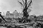 Рейхстаг после взятия Берлина советскими войсками.
