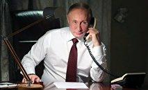 Президент РФ Владимир Путин во время телефонного разговора с патриархом константинопольским Варфоломеем (3 апреля 2018). Анкара, Турция