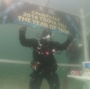 Турецкий аквалангист установил рекорд Книги Гиннесса по самому долгому погружении в самое холодное море