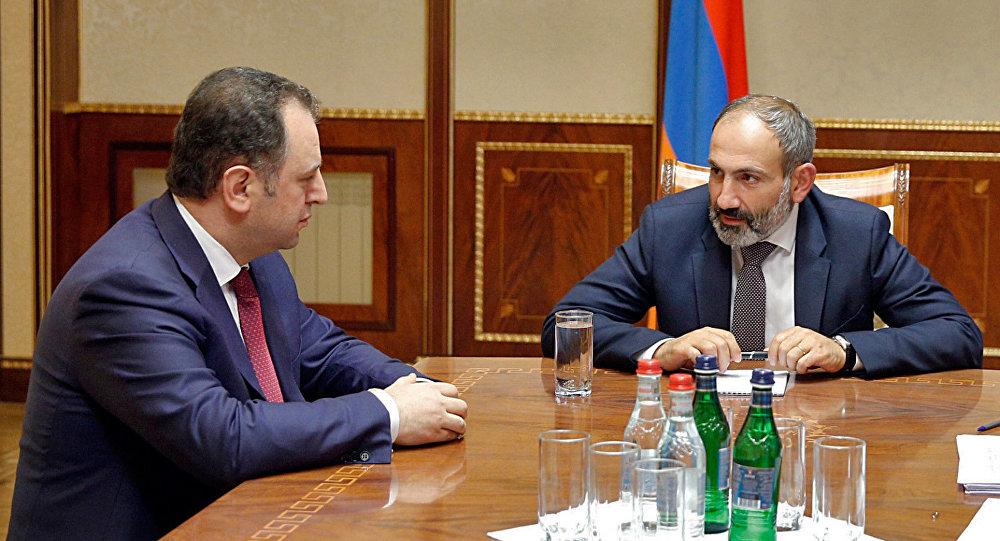 ВМинобороны Армении начались отставки после избрания Пашиняна премьером