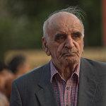 Известный советский и армянский кинорежиссер-документалист Артавазд Пелешян на красной дорожке кинофестиваля Золотой абрикос