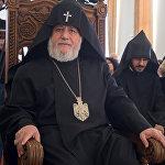 Католикос всех армян Гарегин II церемонии награждения кинорежиссеров Робера Гедикяна и Арутюна Хачатряна