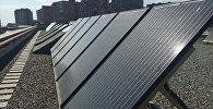 Солнечные батареи на крыше Американского Университета в Армении