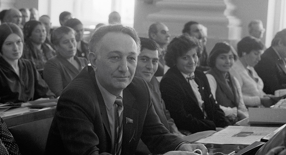 Академик Сергей Амбарцумян