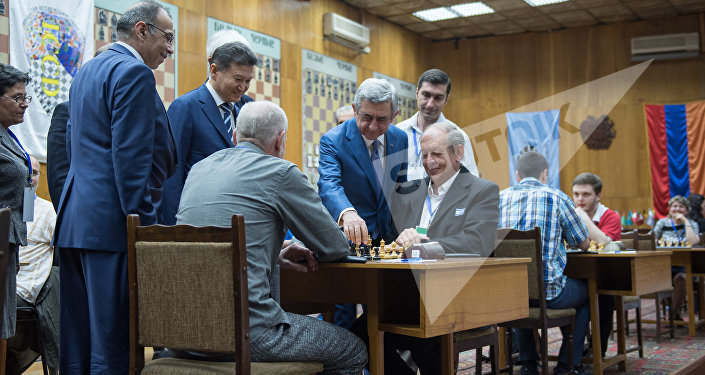 Президент Армении Серж Саргсян и президент ФИДЕ Кирсан Илюмжинов присутствовал на церемонии открытия чемпионата мира по шахматам среди глухих