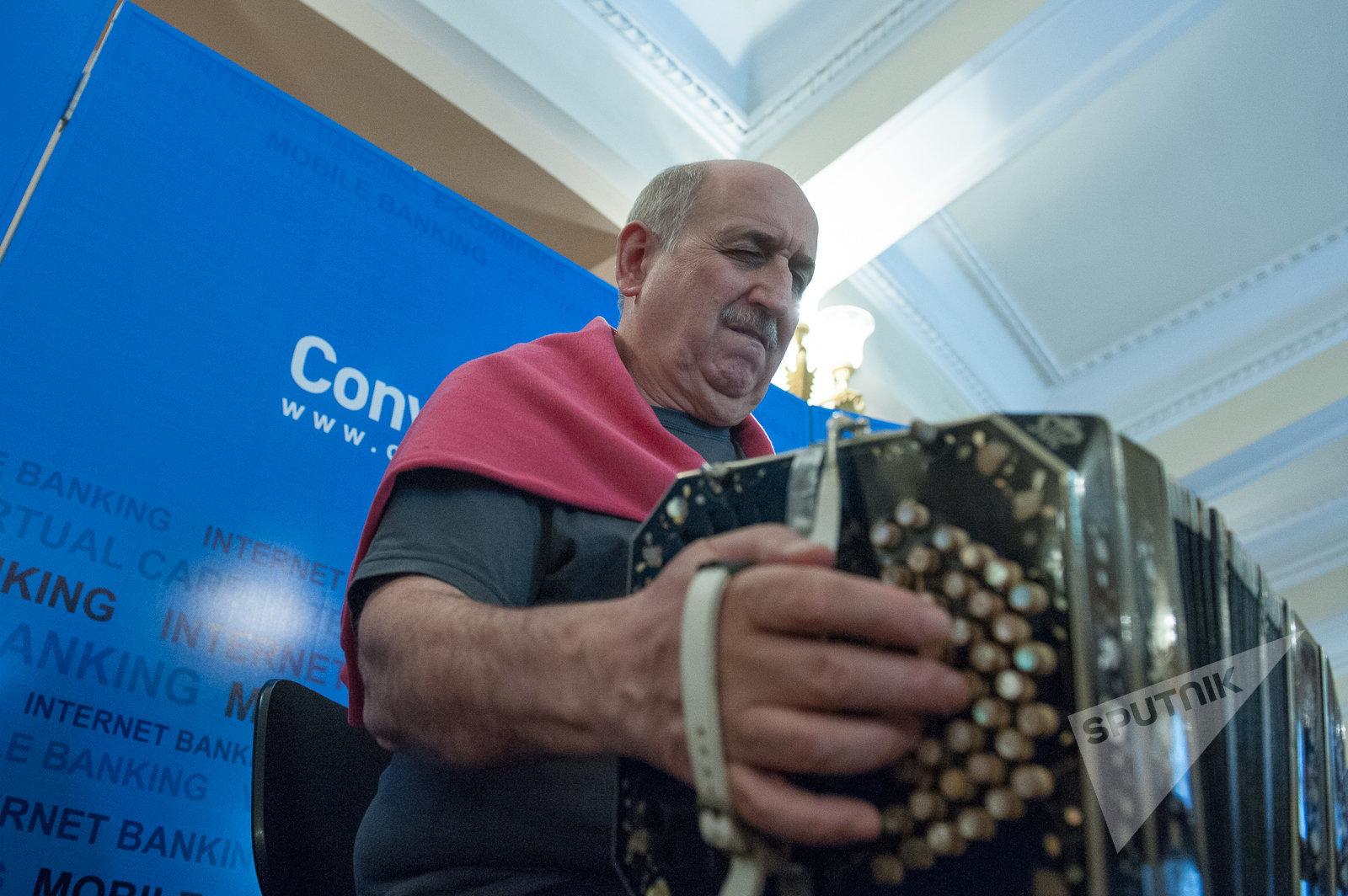 Дирижер и бандонеонист Карлос Буоно в Ереване