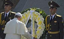 Папа Римский посетил Мемориал жертв Геноцида армян