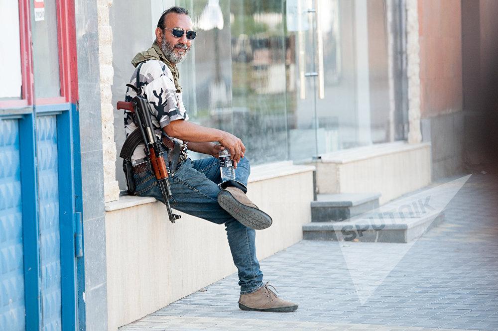 Члены вооруженной группы, захватившей здание полка ППС в Ереване
