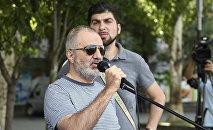 Член Учредительного парламента Алек Енигомшян