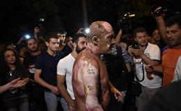 Один из демонстрантов попытался сжечь себя на проспекте Баграмяна