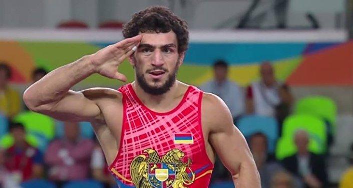 Мигран Арутюнян после боя с Расулом Чунаевым