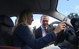 Спутник_Медведев вручил призерам ОИ-2016 ключи от машин и вместе с ними осмотрел подарки