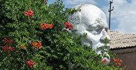 Памятник Ленину в армянском селе Лернамердз