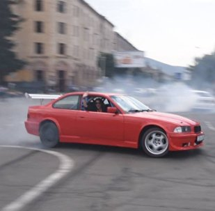 В армянском Ванадзоре прошли автогонки с применением дрифта и слалома
