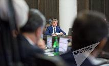 Заседание правительства. Карен Карапетян