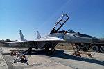 Российский самолет МИГ-29 в авиабазе Эребуни