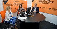 Организатор и учредитель фонда Фестиваль Арени Нуне Манукян и председатель Союза виноделов Армении Аваг Арутюнян в гостях у радио Sputnik Армения