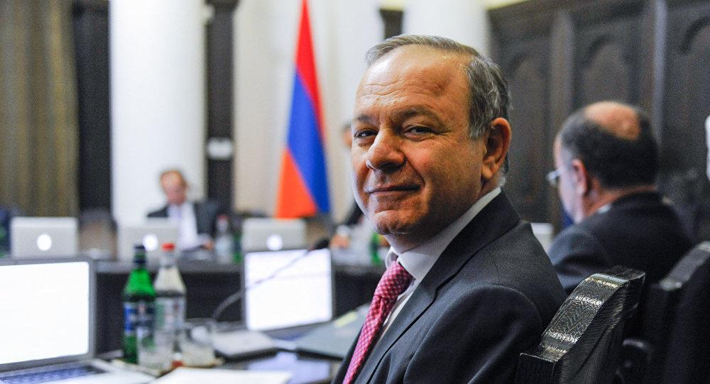 Глава Минздрава Армении Левон Алтунян вступает в РПА
