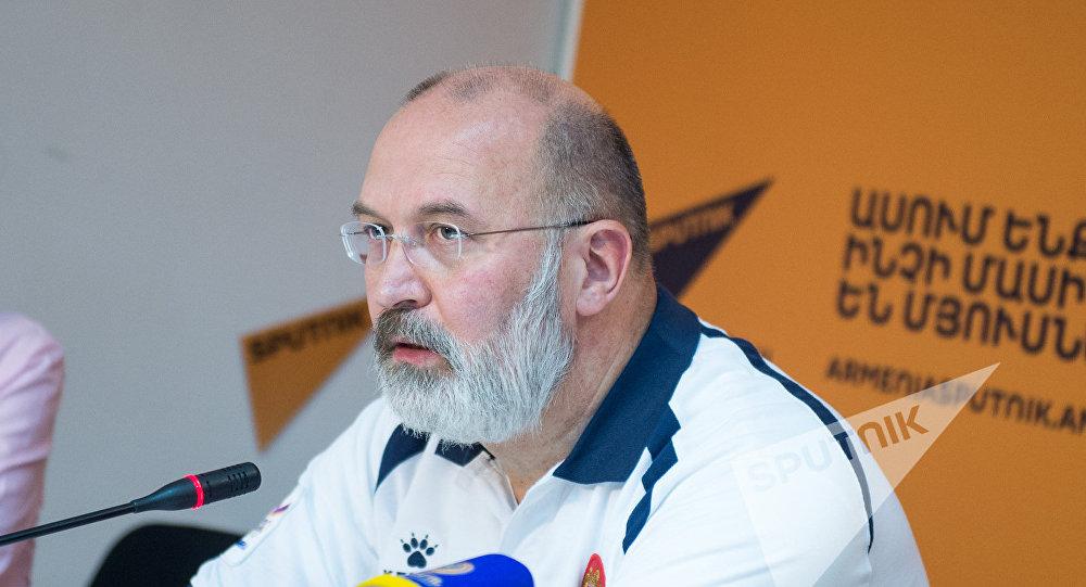 Главный тренер клуба Урарту Тигран Гекчян