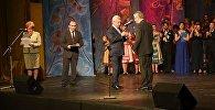 Президент РА принял участие в вечере, посвященном 75-летию Государственного театра музыкальной комедии имени А.Пароняна