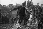 Разбор завалов после землетрясения в Армении