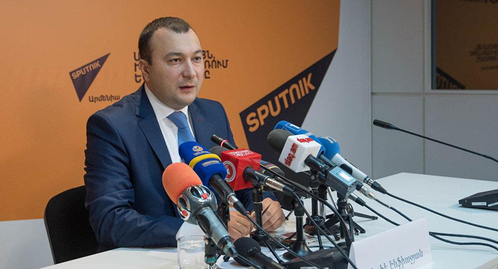 Ваге Энфиаджян: Предвыборная программа Блока «Царукян» вполне реалистична для Армении, и это не оптимизм