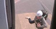 Дмитрий Писаренко прыгнул с парашютом в Таджикистане и после этого оказался в Армении