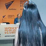 Встреча осетинского врача Казбека Кудзаева с пациенткой Ириной, которую он  разыскивал.