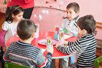 Дети пишут письма армянским солдатам и ровесникам, проживающим в приграничных селах