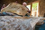 Женщины села Агцк пекут лаваш