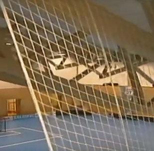 Крыша спортзала обрушилась во время матча по флорболу в Чехии