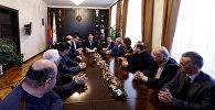 Тарон Маргарян представил нового руководителя административного округа Эребуни Давида Григоряна