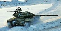 Стрельбы штатными выстрелами из танков Т-72Б ЮВО
