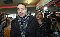 Телеведущий Гарик Мартиросян с супругой Жанной
