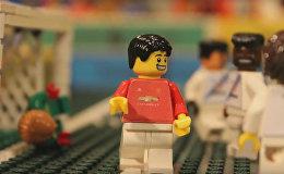 Гол Генриха Мхитаряна ударом скорпиона в формате LEGO