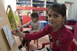 Асмик Вирабян. Дети присоединились к акции изготовления подарочных открыток, сделанных армянскими военнослужащими
